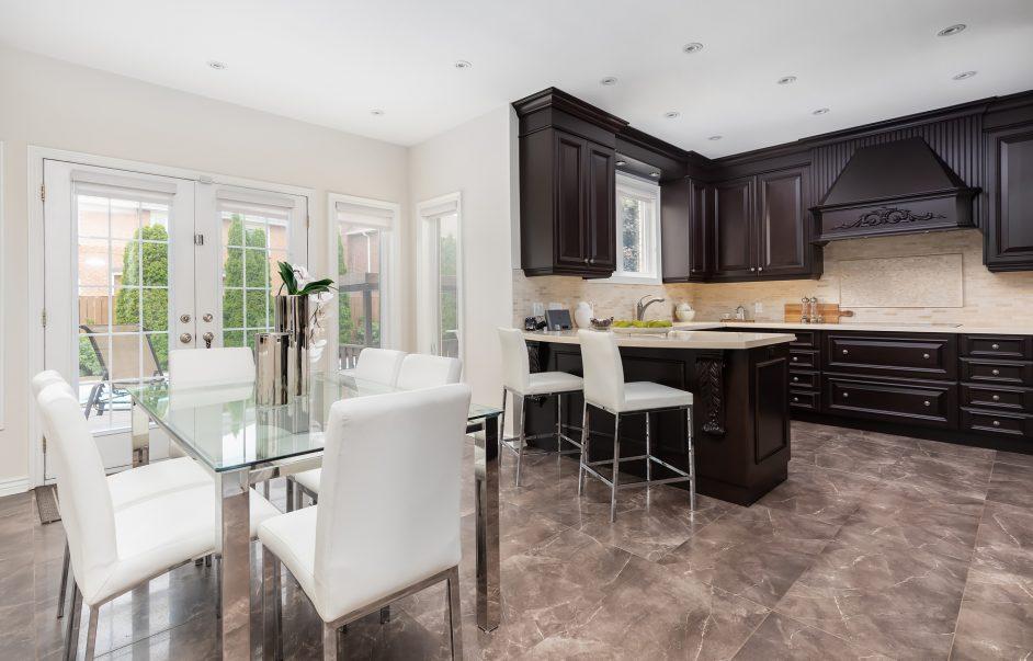 98 Markwood Lane - Breakfast and Kitchen