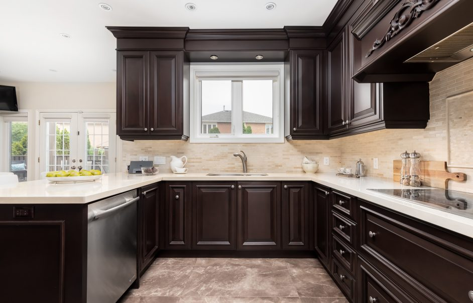 98 Markwood Lane - Kitchen and counter
